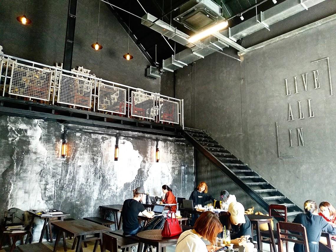 ollin cafe 店内