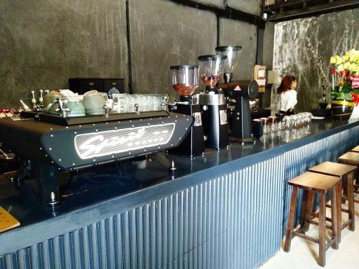 ollin cafe カウンター